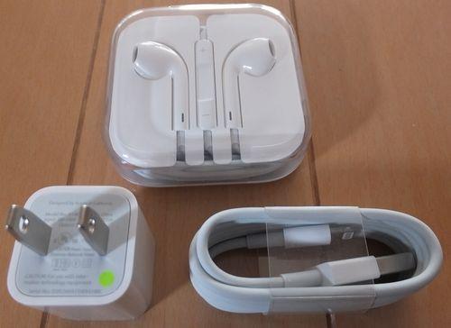 iPhone5のイヤホン、アダプタ、コネクタ